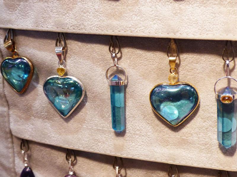 L'Aqua Aura en pendentif