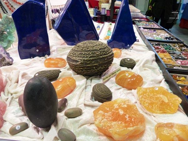 Calcite orange et pyrite