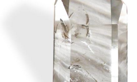 Cristal de roche, concentration de l'énergie et clarification de la conscience