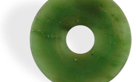 Le Jade Néphrite améliore l'endurance de l'organisme et la sérénité.