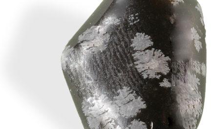 l'Obsidienne mouchetée, est utilisée pour travailler sur les émotions