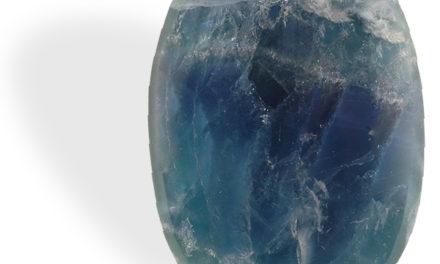 la Fluorite bleue stimule l'intuition et la créativité.