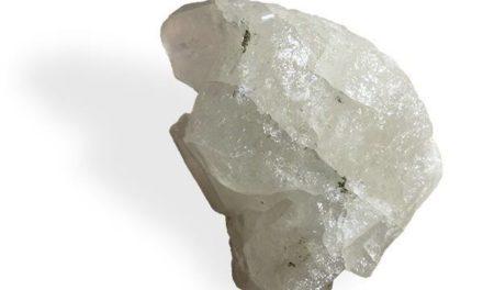 La Phénacite, pierre de libération vis-à-vis du passé.