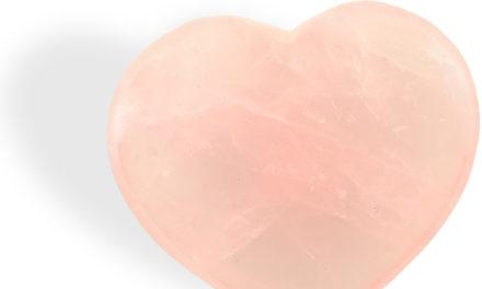 Le Quartz rose pour l'amour de soi